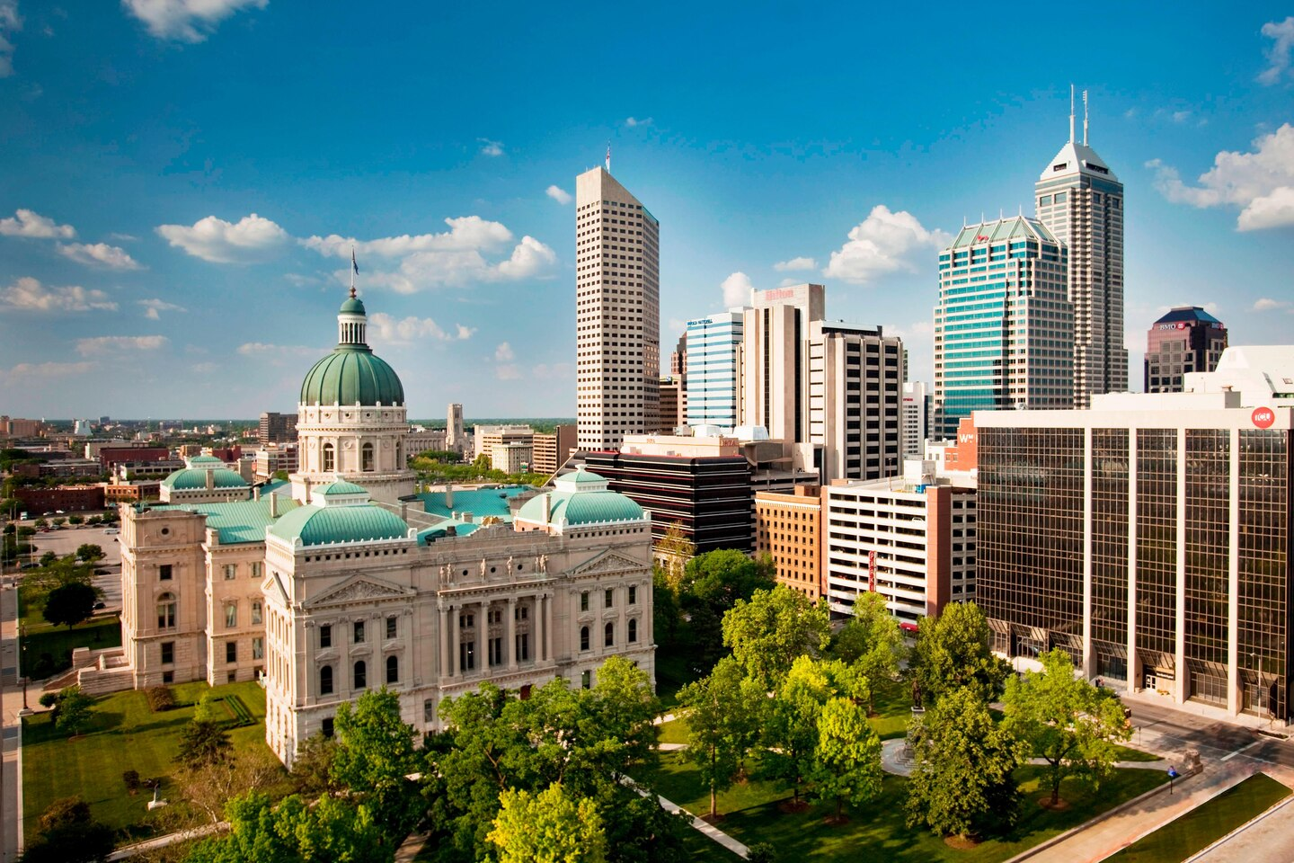indwi-attraction-indianapolis-3307-hor-clsc